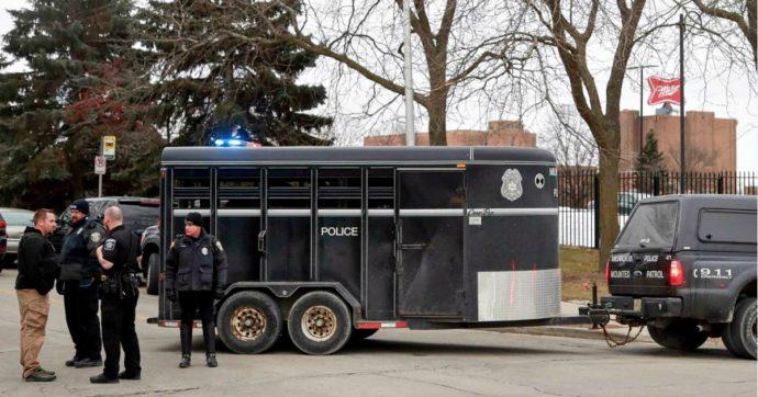 Usa, ex dipendente di 51 anni apre il fuoco nel campus di Molson Coors (Milwaukee): uccide 5 persone e poi si toglie la vita