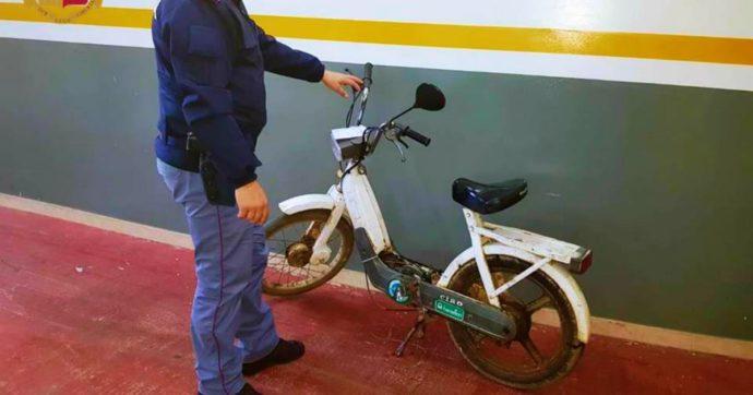 L'inno alla resistenza del Piaggio Ciao: rubato nel 1986 in provincia di Savona, ritrovato ancora in circolazione a Taranto dopo 34 anni