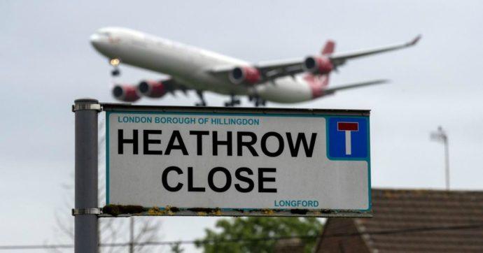 Londra, gli ambientalisti vincono contro il governo: niente terza pista all'aeroporto di Heathrow