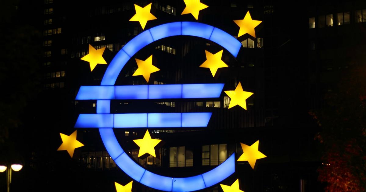 Tanti auguri euro! Un esperimento visionario che ci assicura uno status da potenza mondiale