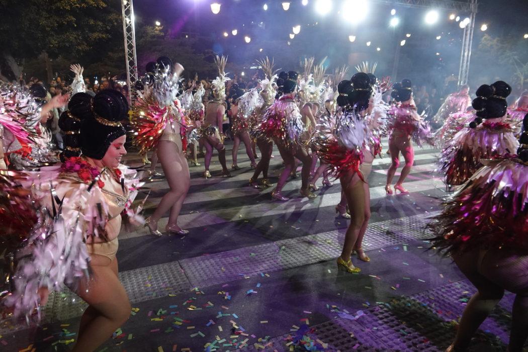 Le coreografie spesso si ispirano a quelle di Rio.
