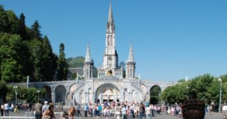 Coronavirus, il santuario di Lourdes chiude tutte le piscine. Riprogrammati tutti i pellegrinaggi e non solo nel sito francese