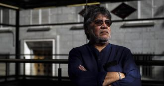 """Luis Sepulveda morto, aveva contratto il coronavirus. Restano per sempre i suoi romanzi """"che parlavano d'amore con parole così belle da far dimenticare la barbarie umana"""""""
