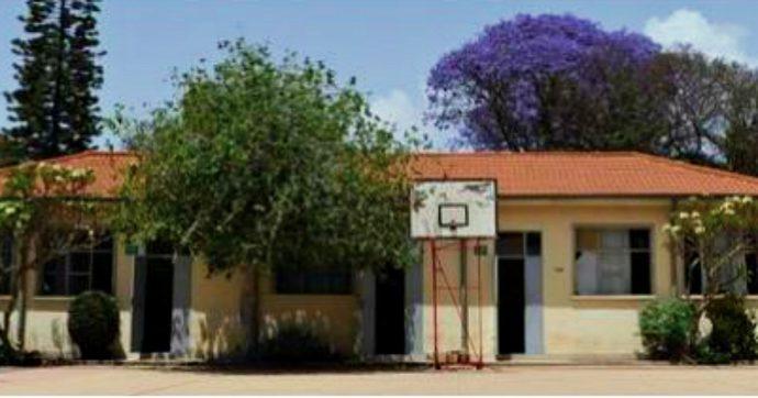 """Coronavirus, sei insegnanti italiani bloccati in Eritrea in quarantena forzata: """"In camere con persone di altri Paesi, non fanno i tamponi"""""""
