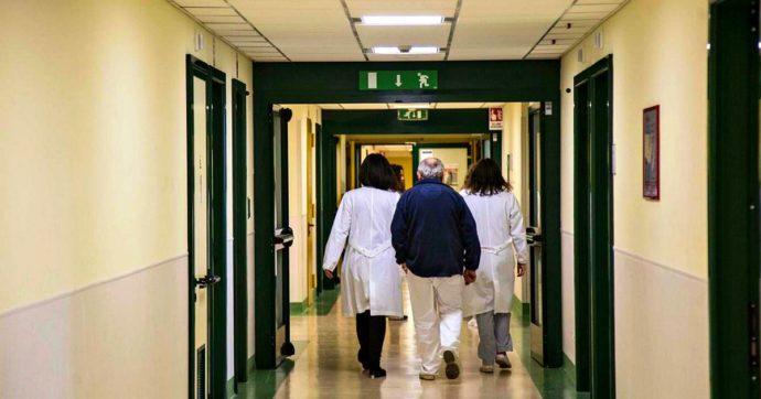 """Coronavirus, richiamati 98 pazienti del Policlinico Tor Vergata di Roma: """"Contatti con poliziotto contagiato"""""""