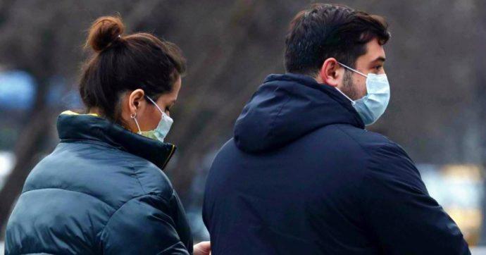 """Coronavirus, l'Oms preoccupata: """"C'è grave carenza mascherine"""". E l'Italia è costretta a importarle: """"Le cerchiamo in tutto il mondo"""""""