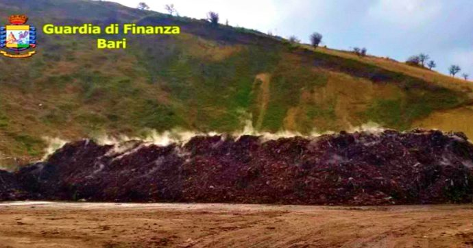 Foggia, sversavano rifiuti illeciti in terreni agricoli: sette arresti e sequestri per 25 milioni