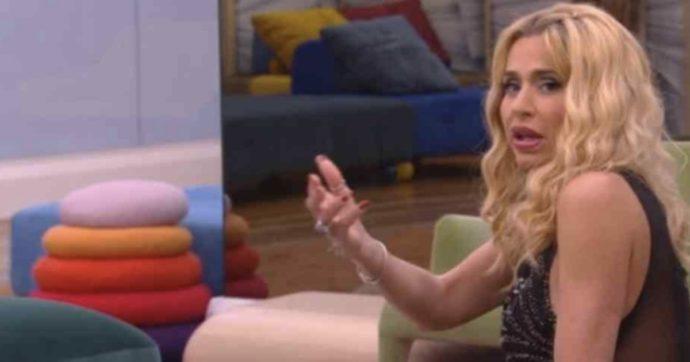 """Coronavirus, """"Valeria Marini ha fatto il tampone prima di entrare al Grande Fratello"""""""