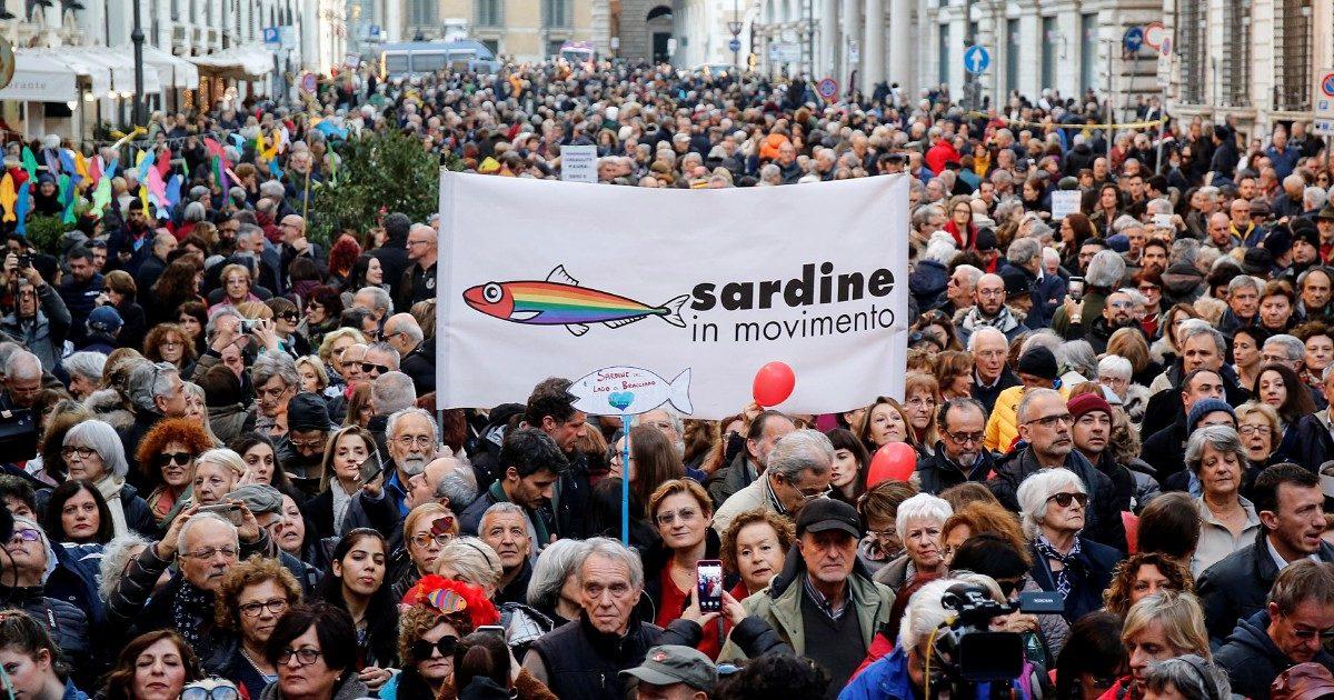 """Le Sardine si schierano: """"No al taglio degli eletti"""""""