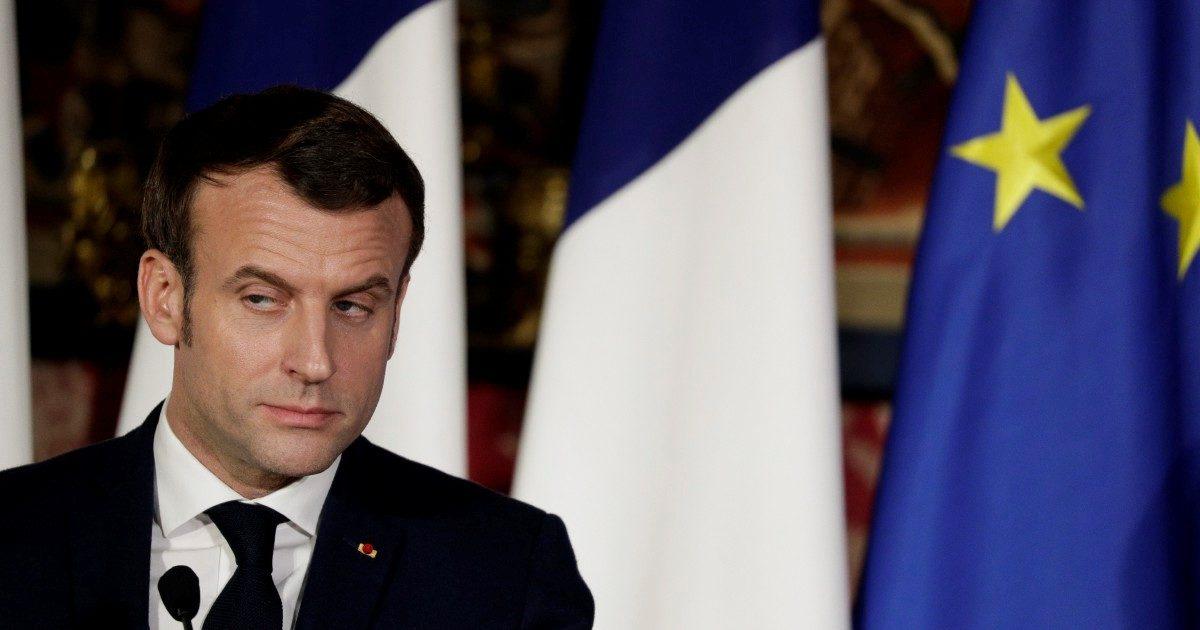 Pensioni, la Francia si distrae: la riforma passa