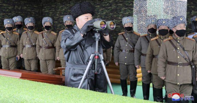 Coronavirus, le foto dei soldati di Kim Jong-un con la mascherina. In Corea del Nord nessun contagio ufficiale