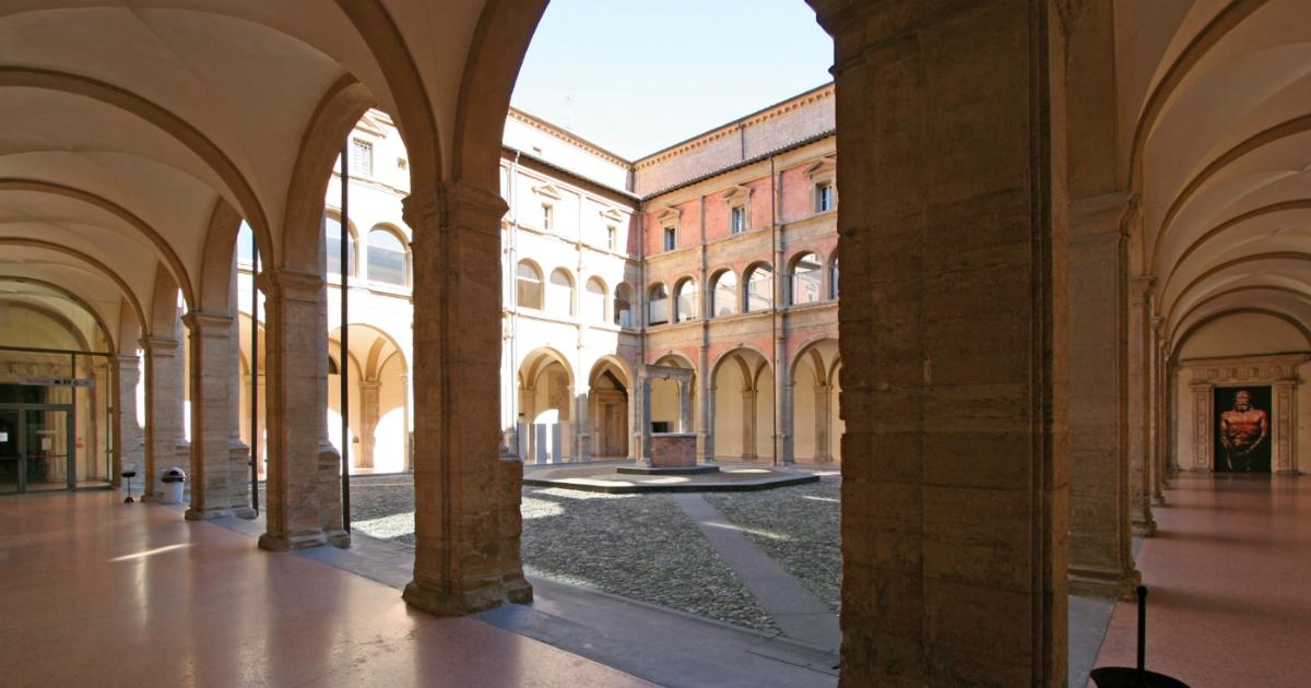 All'Università di Bologna via alle lezioni online. Mi sento sola, ma per fortuna ci sono le faccine
