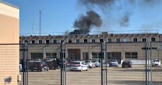 Coronavirus, rivolte nelle carceri per limitazioni imposte dal rischio contagio: detenuti barricati a Modena e proteste a Poggioreale
