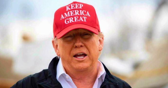 """Coronavirus, Trump minimizza: """"Lo scorso anno 37mila morti in Usa per influenza. Vita ed economia vanno avanti"""". E Macron va a teatro"""