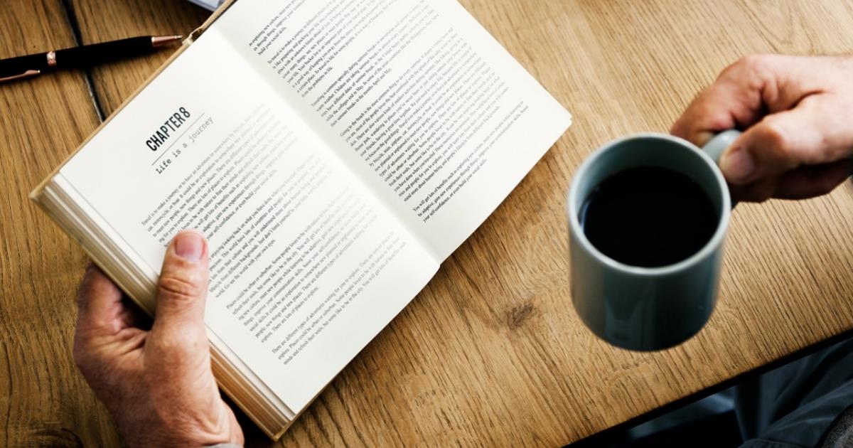 Coronavirus, piano con la retorica di quant'è bello stare a casa a leggere un libro