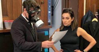 Coronavirus Usa, deputato repubblicano scherzava sull'epidemia con maschera antigas: ora è in quarantena. Come lui anche nuovo capo staff di Trump