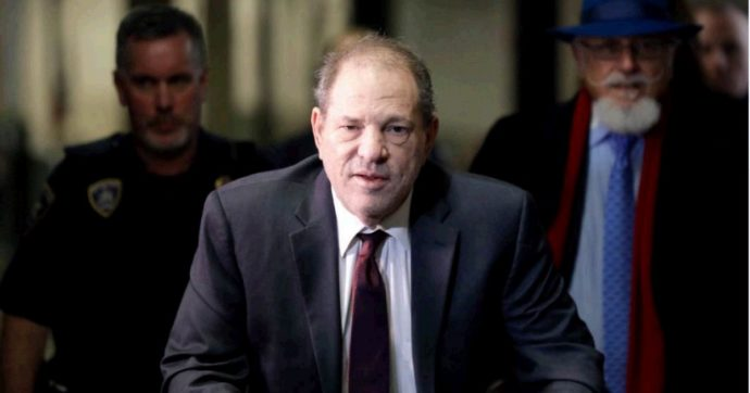Harvey Weinstein condannato a 23 anni di carcere: riconosciuto colpevole di stupro e aggressione sessuale