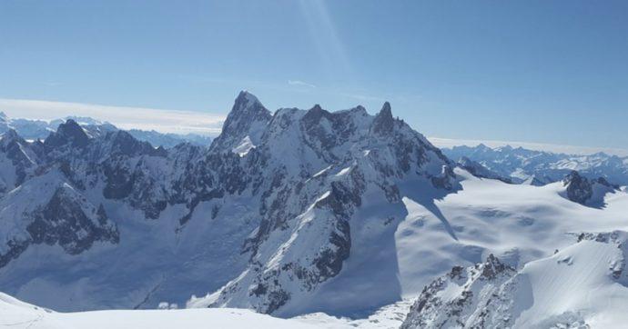 Coronavirus, impianti di sci chiusi. E gli italiani vanno a sciare in Francia: code a Chamonix