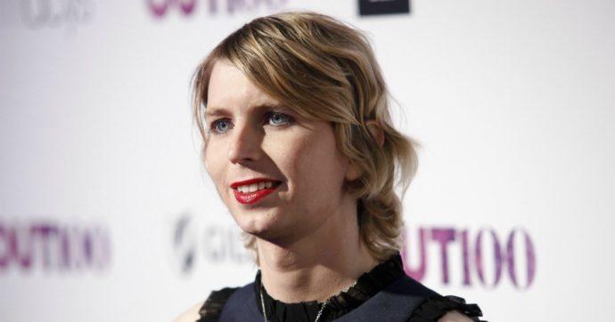 """Chelsea Manning, la """"talpa"""" di Wikileaks ha tentato il suicidio in carcere: ora è in ospedale"""