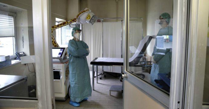 """Coronavirus, rifiuta ricovero in ospedale: biologo di 58 anni muore a Caltanissetta. La moglie: """"Errore imperdonabile"""""""