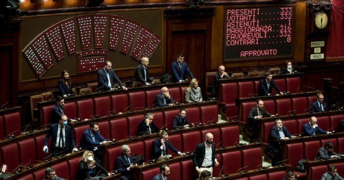 Il Covid l'ha chiarito: l'impegno dei politici sono le proposte ad effetto. Anche se sono cialtronerie