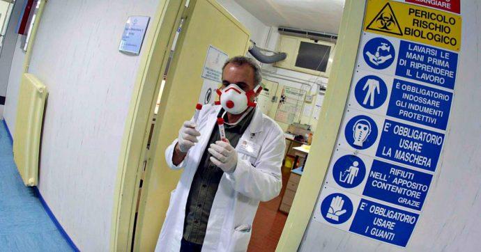 Coronavirus, procura di Napoli apre inchiesta sui 249 operatori dell'ospedale Cardarelli in malattia. Accertamenti del Nas dei carabinieri