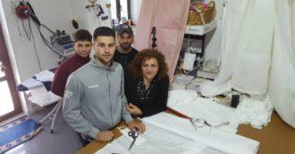 Coronavirus, in Calabria sartoria produce gratis mascherine lavabili (anche se solo artigianali): 'Lavoro e solidarietà i nostri valori'