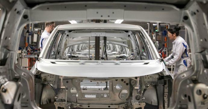 Coronavirus, comincia la chiusura delle fabbriche auto in Europa. Ecco le misure prese da Ford, gruppo Volkswagen, Renault e Psa
