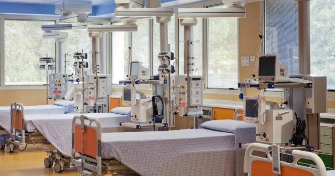 """Coronavirus, a Roma il quarto Covid hospital da 98 posti è in una clinica privata. La sindaca Raggi: """"Lavoriamo a misure per homeless"""""""