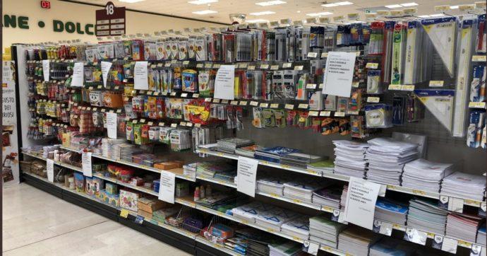"""Coronavirus, nei supermercati vietato l'acquisto di quaderni, pennarelli e biancheria: """"Non sono beni di prima necessità"""". Il perché"""