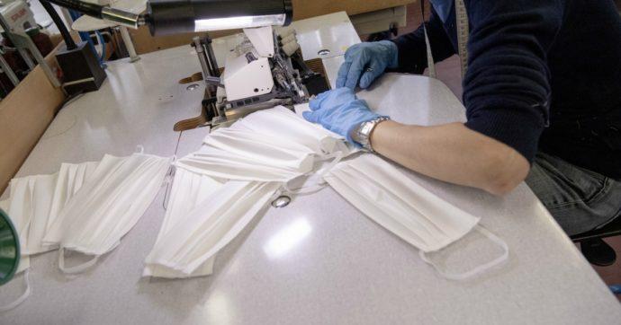 """Mascherine, allo studio sistemi per disinfettarle con il calore e poterle riutilizzare. Iss: """"Non c'è ancora procedura condivisa"""""""