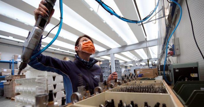 Coronavirus, sicurezza sul lavoro nella Fase 2: possibile stop ad aziende che non rispettano le norme ma pochi obblighi. Ecco il protocollo