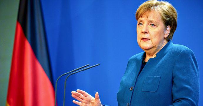 Coronavirus, il governo tedesco approva un pacchetto di misure in deficit da 156 miliardi di euro: addio al mantra del pareggio di bilancio