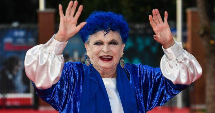 Coronavirus, è morta Lucia Bosè. Addio all'attrice madre del cantante Miguel: aveva 89 anni