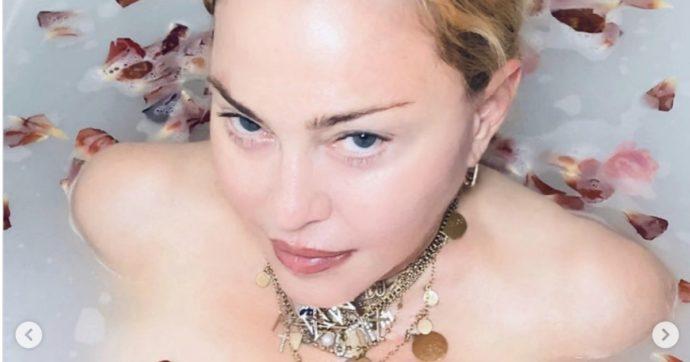 """Madonna: """"Il vaccino per il Covid-19 esiste già, ma i ricchi vogliono diventare più ricchi mentre i poveri si ammalano"""". Instagram la blocca"""