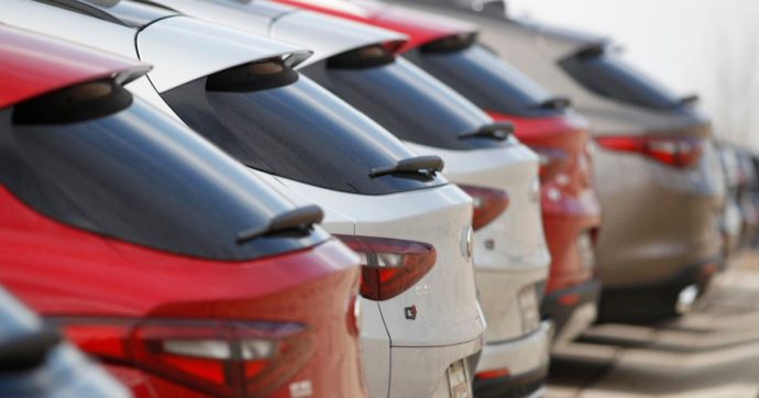 """Immatricolazioni auto, Unrae: """"Ad aprile mercato a meno 97-98%. Lo Stato intervenga"""""""