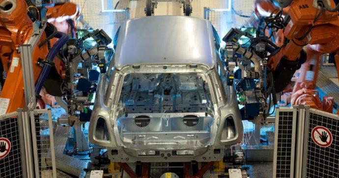 Coronavirus, a marzo crollo della produzione industriale senza precedenti: -28,4% su mese, -29,3% su anno. Calo peggiore per settore auto