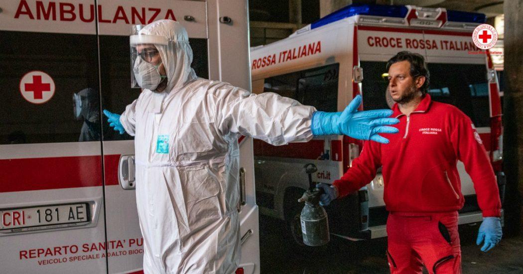 """Coronavirus, la """"trincea"""" degli oltre 50mila volontari delle ambulanze: """"I dispositivi di protezione sono carenti, per questo ora l'uso è più oculato"""". I servizi alla persona? Chiamate aumentate del 1.400%"""