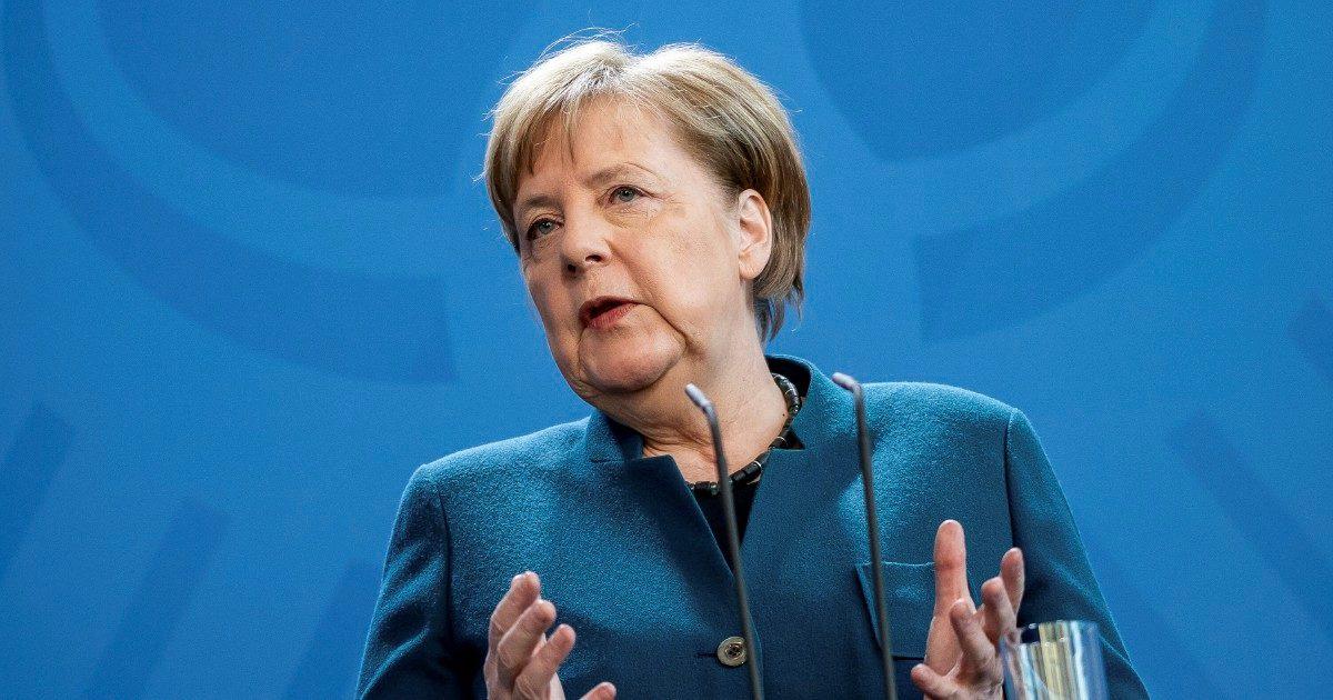 Merkel negativa al primo test. Tirolo, esposto sulla località sciistica che ha ignorato i divieti