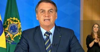 """Coronavirus, Bolsonaro: """"Passerà presto, avanti con le nostre vite. Media alimentano isterismo, in Italia muoiono perché popolazione anziana"""""""