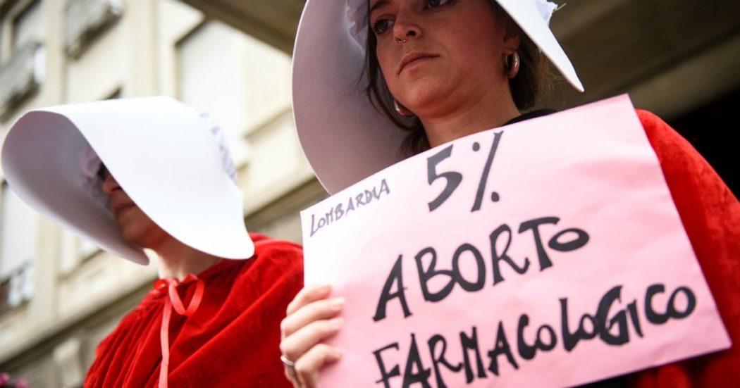 """Coronavirus, diritto all'aborto a rischio nell'emergenza: """"Favorire quello farmacologico per non congestionare gli ospedali"""""""