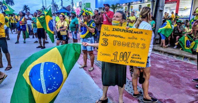 Coronavirus, tutti gli autogol del 'Messia' Bolsonaro e del figliol prodigo
