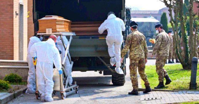 Coronavirus, il forno crematorio di Milano è saturo: stop alle salme dei non residenti. Esercito porta via 45 feretri dalla Bergamasca