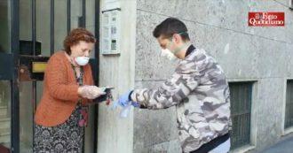 """Coronavirus, a Milano la """"solidarietà attiva"""" della brigata Lena-Modotti: """"Portiamo spesa e farmaci ad anziani e persone non autosufficienti"""""""