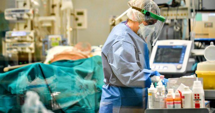 Coronavirus, il contagio corre: 22.865 nuovi casi. Nuovo aumento di ricoverati e pazienti in terapia intensiva. I morti sono 339