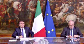 """Coronavirus, Conte: """"Von der Leyen sui coronabond? Nostre proposte non affidate a lei, ma a Eurogruppo"""". Gualtieri: """"Parole sbagliate"""""""