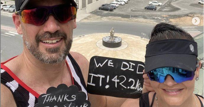 Coronavirus, coppia corre una maratona sul balcone e lancia la sfida sui social