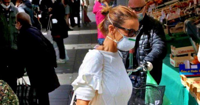 """Coronavirus, botta e risposta sul mercato di Padova. Zaia: """"Affollamento insostenibile"""". Il comune: """"Foto scattate con teleobiettivo"""""""