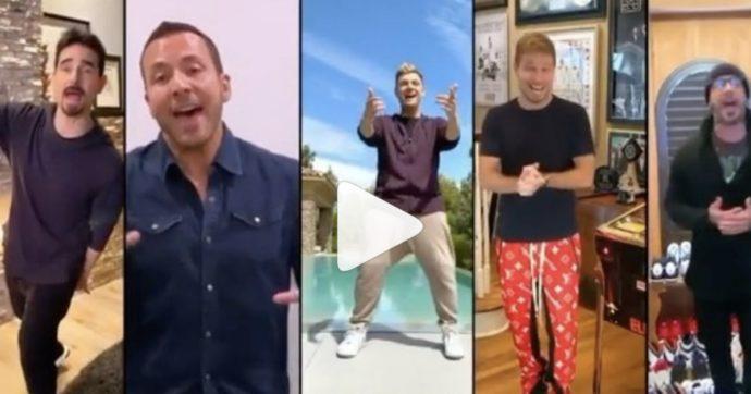"La reunion virtuale dei Backstreet Boys fa impazzire i fan: i cinque cantano ""I Want It That Way"""