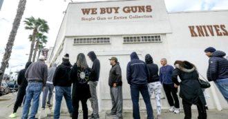 """Coronavirus, negli Usa l'epidemia scatena la vendita di armi. Per i lobbisti sono beni essenziali: """"Diritto di proteggersi viene da Dio"""""""